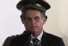 Falas de Bolsonaro quebram decoro e podem indicar crime de responsabilidade