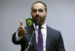 'Por que essa pressão em cima de um filho meu?', questiona Bolsonaro sobre Eduardo