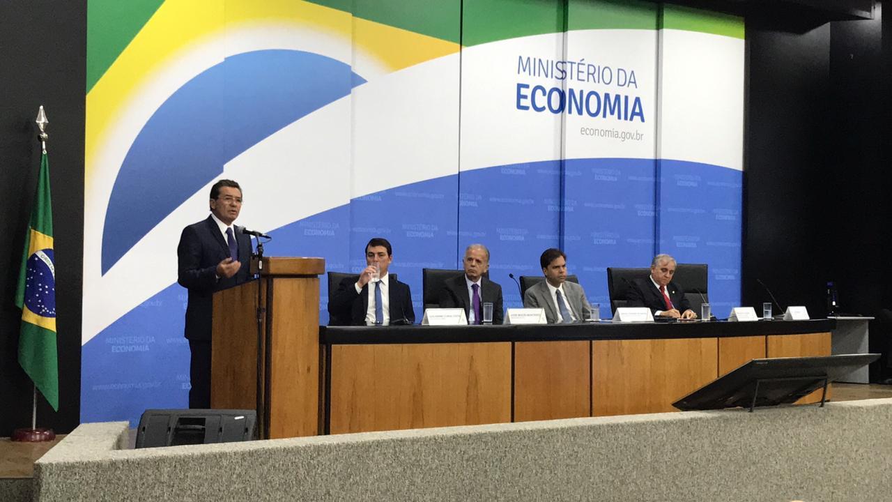 IMG 20190702 WA0081 - Relatório do Ministro Vital do Rêgo sobre problemas causados pela burocracia no Brasil é entregue pelo TCU ao Ministério da Economia