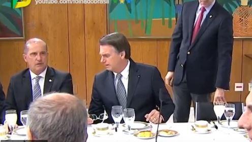 'NÃO TEM QUE TER NADA PARA ELE': Vaza áudio de Bolsonaro criticando João Azevedo durante café da manhã com jornalistas