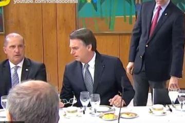 bolSONARO - 'NÃO TEM QUE TER NADA PARA ELE': Vaza áudio de Bolsonaro criticando João Azevedo durante café da manhã com jornalistas - VEJA VÍDEO