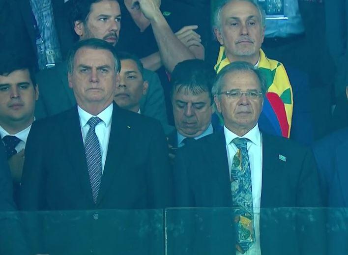 bolsonarojogo - Bolsonaro leva quase metade da Esplanada dos Ministérios para o jogo do Brasil