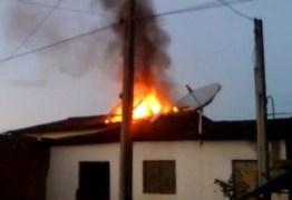 EM ITABAIANA: Filha adolescente briga com mãe e coloca fogo em casa para se vingar