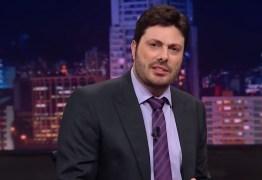 Danilo Gentili diz que foi demitido do SBT por criticar Eduardo Bolsonaro