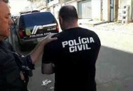 GUARDA ROUPA COMPLETO, ARMAS E MUNIÇÕES: Pastor é preso após se passar por policial civil e diz para PM que era para 'realizar sonho'