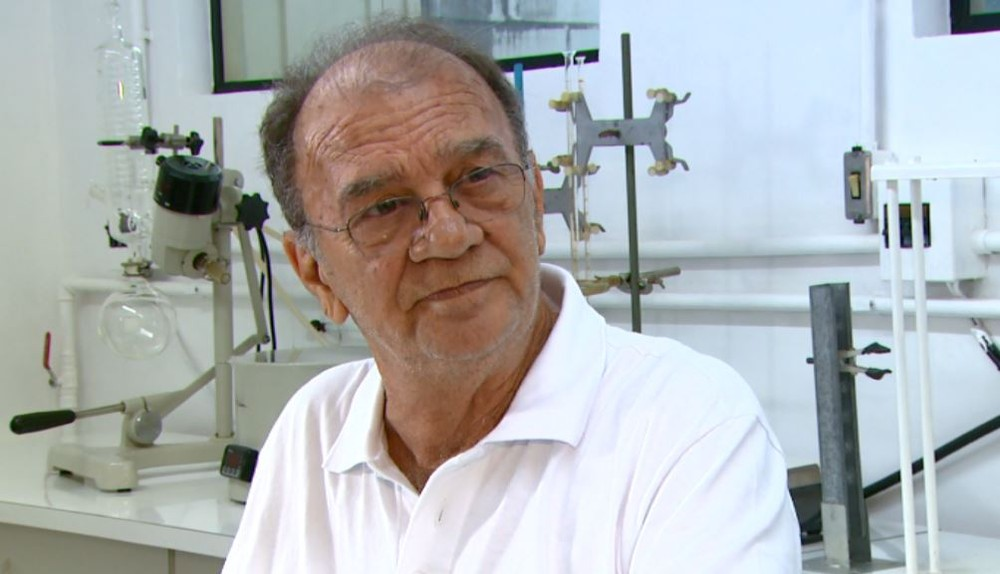 Professor que desenvolveu a 'pílula do câncer' morre aos 75 anos