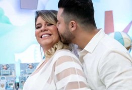 Marília Mendonça compartilha com fãs presente do namorado com detalhe especial
