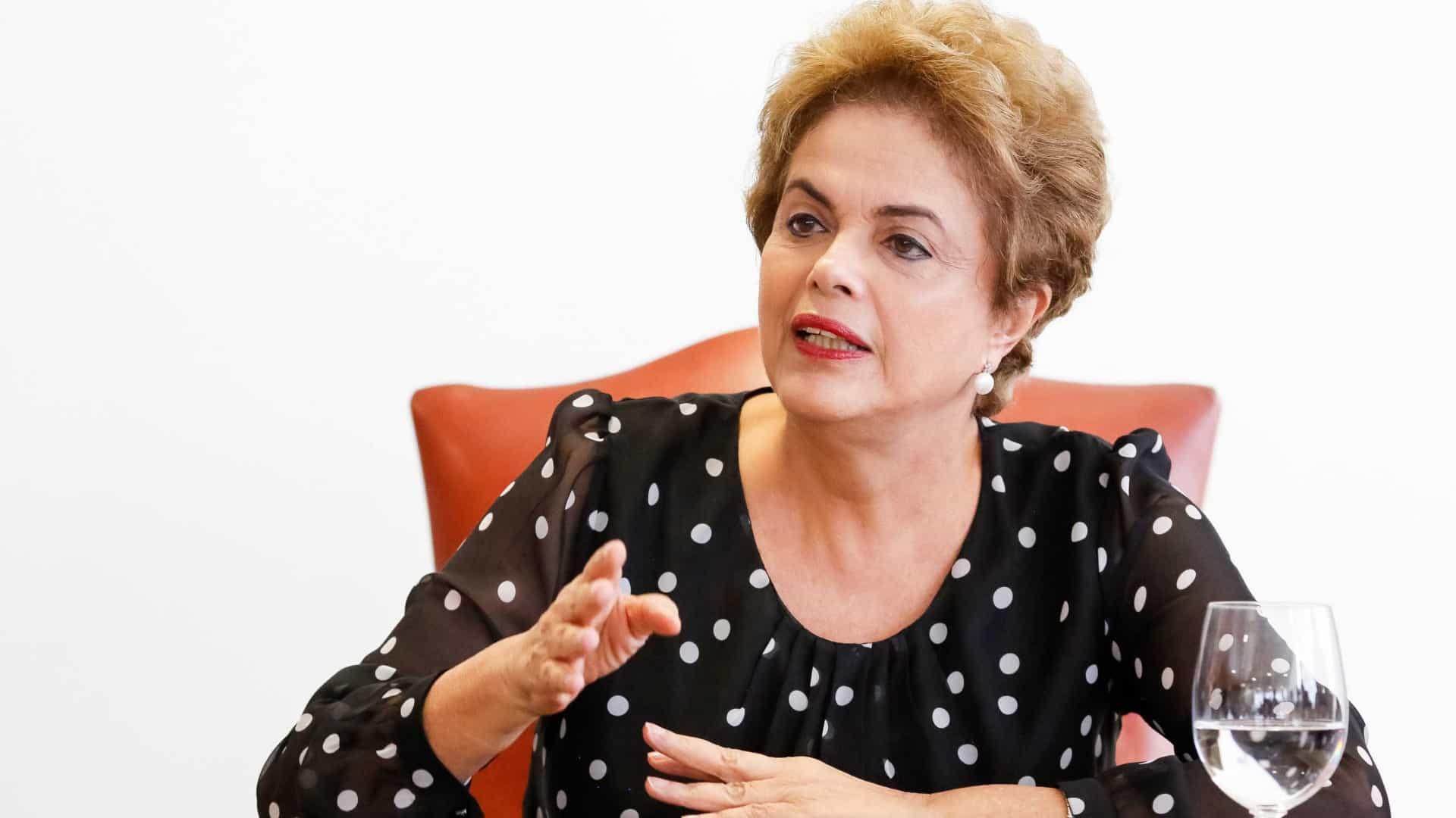 'Gostaríamos de ter feito outra reforma', diz Dilma sobre a Previdência