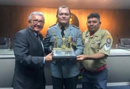 Proposto por Nelson Gomes, CMCG concede título de cidadania ao Tenente-Coronel do QOBMPB, Jean Benício de Sá