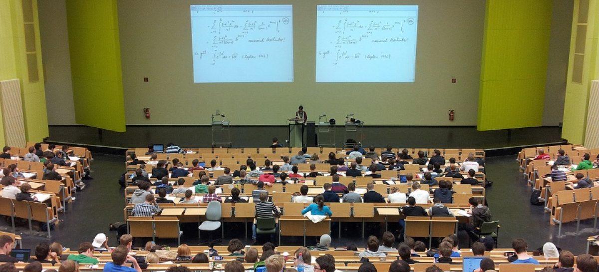Educação e Cidadania são ministérios mais afetados por novos cortes