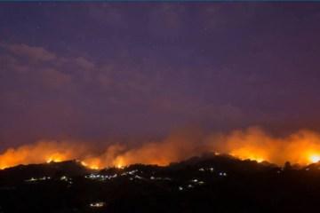 0 - Incêndio nas Ilhas Canárias avança sem controle e obriga à remoção de 9.000 pessoas