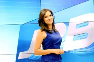 12235094 904635099619292 8746057198279594169 n - Denise Delmiro se pronuncia sobre assumir telejornal: 'Estão preparados para receber meu 'Bom Dia?'