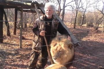 14701041 998913393553152 6270601223480631453 o - Homem é atacado e morto por leões que criava em cativeiro