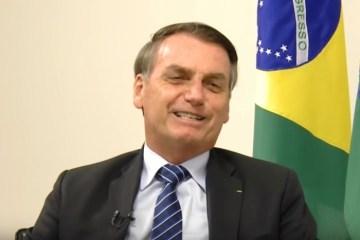 1 bolsonaroleda 12446408 1 - Bolsonaro diz que incêndios na Amazónia são motivados por 'estação quente' e, que isso não pode gerar 'sanções internacionais'