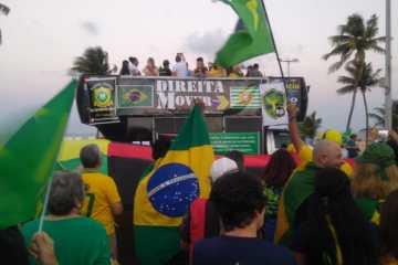 Manifestantes fazem protesto contra projeto de lei de abuso de autoridade em João Pessoa
