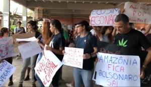 Capturar 50 300x173 - Ato pela Amazônia reúne manifestantes em João Pessoa