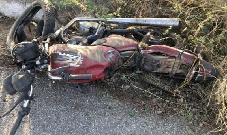 ACIDENTE: Agricultor morre após colisão entre moto e caminhonete em rodovia da PB