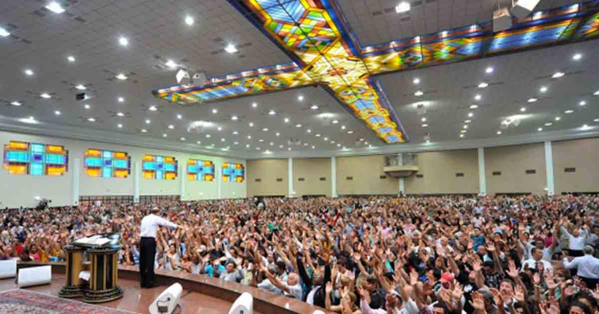 Igreja Universal Reprodução 1 - Justiça condena Universal a pagar R$ 200 mil a ex-pastor por força-lo a fazer Vasectomia
