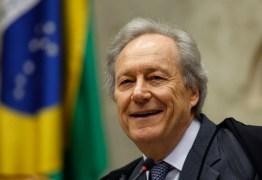 Ministro do STF Ricardo Lewandowski participa de congresso em João Pessoa