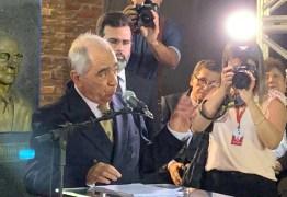 Roberto Cavalcanti é empossado na Academia paraibana de letras- VEJA VÍDEO