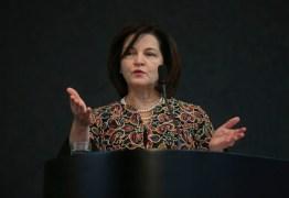 Raquel Dodge pede que STF derrube decretos sobre armas