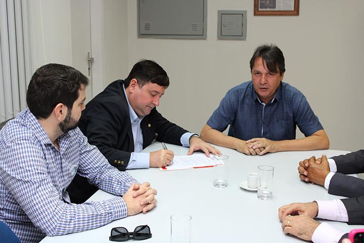assin termo cooperacao creci sedurb 07 - Creci-PB e Sedurb firmam parceria para coibir poluição visual em João Pessoa