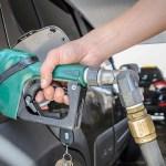 bomba posto combustivel gasolina bomba diesel 04062018100423966 - Petrobras diminui preço da gasolina e do diesel nas refinarias a partir deste sábado (29)