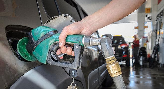 bomba posto combustivel gasolina bomba diesel 04062018100423966 - Pesquisa mostra onde encontrar gasolina mais barata em João Pessoa; confira
