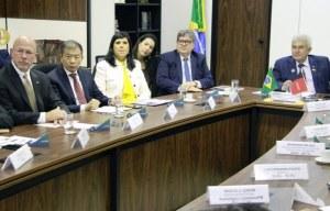 dc55b6fa 017e 4809 a9bb c24535c93ffb 300x192 - REUNIÕES EM BRASÍLIA: bancada federal aproxima João Azevêdo ao governo de Jair Bolsonaro e PB recebe apoio de ministros