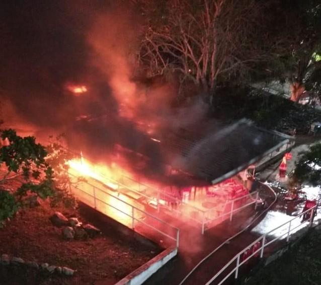 explosão - INCÊNDIO NA UEPB: vazamento em botijão de gás causa explosão e assusta estudantes da Central de Aulas - VEJA VÍDEOS