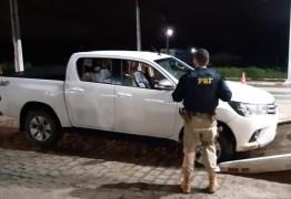 Libanês é preso pela PRF após tentar furar bloqueio com Hilux roubada