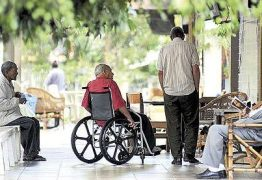 Projeto prevê que parente que abandonar idoso poderá ser deserdado