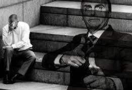 Dignidade roubada: O povo na vala comum dos dispensáveis – Por Francisco Airton