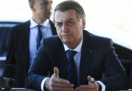 """""""Fazer cocô dia sim, dia não"""", sugere Bolsonaro contra poluição ambiental"""