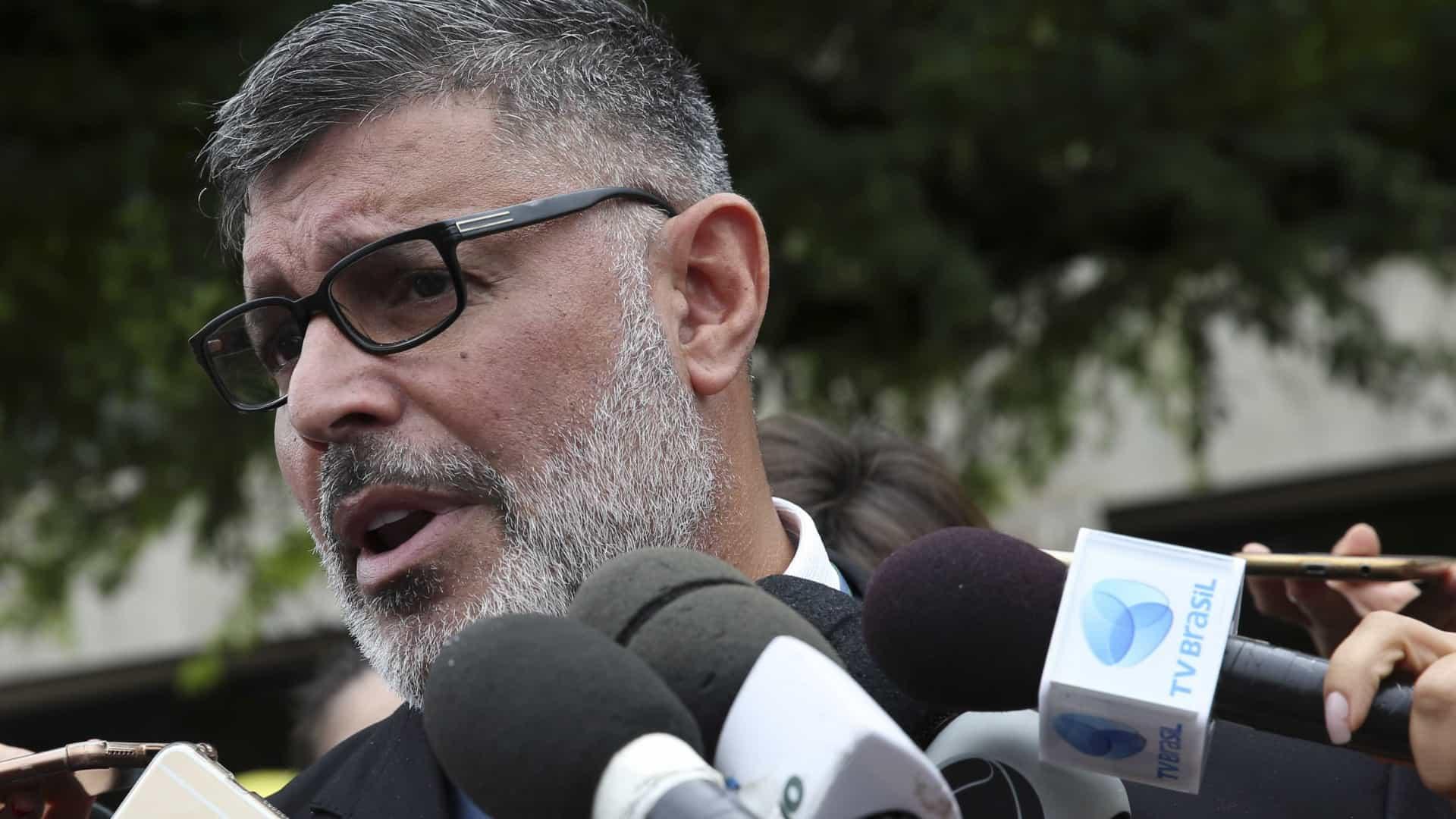 naom 5bfbb716ee5f3 1 - 'INFIEL': PSL expulsa deputado Alexandre Frota após ele criticar presidente e o filho