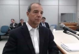Defesa diz que Cabral corre riscos em Bangu 8 e pede transferência