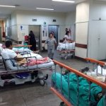 x80048623 RIPacientes em macas sao colocados no corredor da emergencia do Hospital Getulio Var.jpg.pagespeed.ic .quAr8rVybM - SAÚDE PEDE SOCORRO: SUS perde 43 mil leitos de internação desde 2009