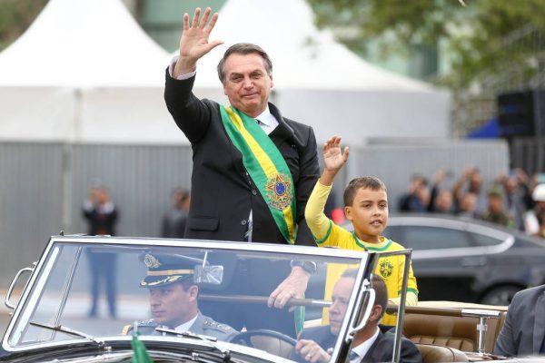 15681403705d77ec52cb8d5 1568140370 3x2 lg 600x400 - Globo demite funcionário que chamou menino de 'imbecil' por desfilar com Bolsonaro