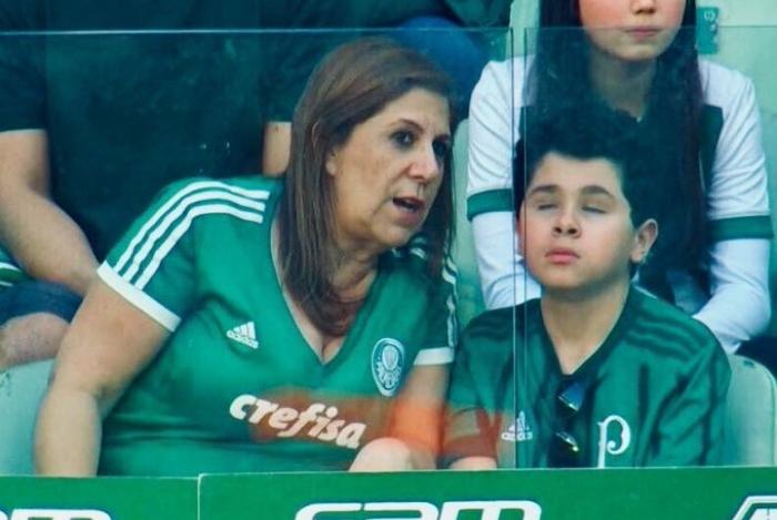 1 dtcngx9woaev6qy 13024529 - Mãe que narrou jogo para filho cego é finalista do prêmio Fifa de melhor torcedora