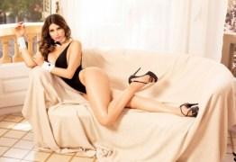 Modelo bate recorde de vendas da Playboy em Portugal após criticar Bolsonaro