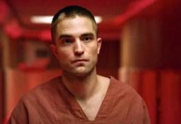 Robert Pattinson conta que está cansado de se masturbar em cenas de filmes