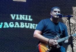 Vinil Vagabundo vence a segunda noite de batalha do Festival Rock de Garagem do Mangabeira Shopping