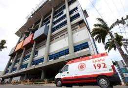Criança de 10 anos pula do 1º andar para evitar que o pai a estupre