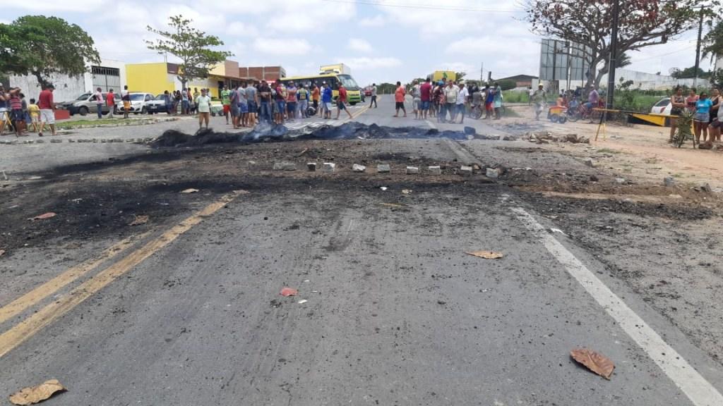 2923c8d5 99a6 48f6 9496 7e8ecc594d99 1024x576 - PROTESTO EM REMÍGIO: Moradores pedem redutores de velocidade após criança morrer em acidente