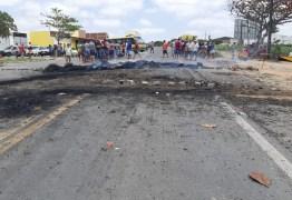 PROTESTO EM REMÍGIO: Moradores pedem redutores de velocidade após criança morrer em acidente