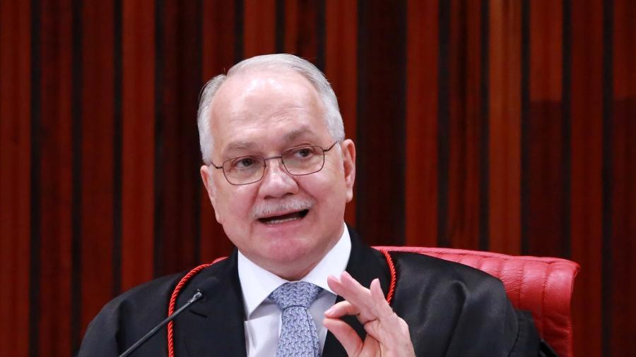 31ago2018 o ministro edson fachin durante sessao extraordinaria no tribunal tribunal superior eleitoral tse em brasilia df nesta sexta feira 31 1535762173416 v2 900x506 - Fachin pede urgência a PGR sobre parecer de pedido de anulação de condenações de Lula