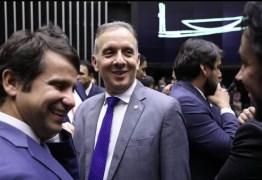 Aguinaldo Ribeiro comemora aprovação de parte da PEC da cessão onerosa