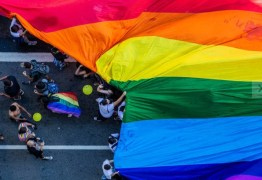 Bolsonaro pede ao MEC projeto de lei para proibir 'ideologia de gênero'