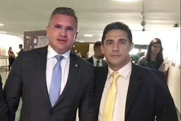 Capturar35 - 'TRAGÉDIA LASTIMÁVEL': Julian Lemos lamenta morte do policial e vereador de São José de Piranhas