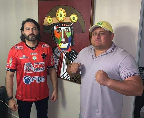 LEO E WALLBER - Parente de Bolsonaro, 'Léo Índio' visita Paraíba e discute indicação de cargos federais no estado